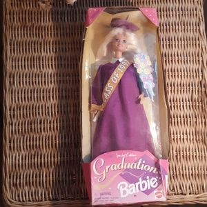 NEW SPECIAL EDITION GRADUATION 1997 BARBIE